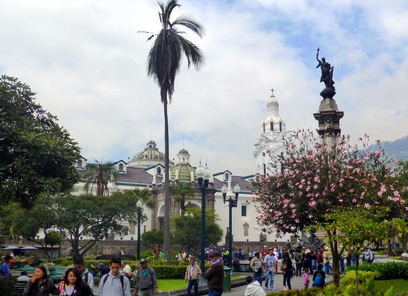 large_Plaza_de_la_Indepencia.jpg