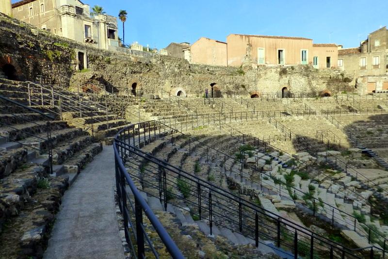 large_Roman_theatre.jpg