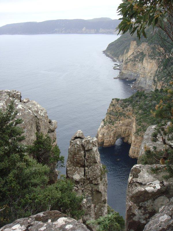 large_Cape_pilla.._cliffs.jpg