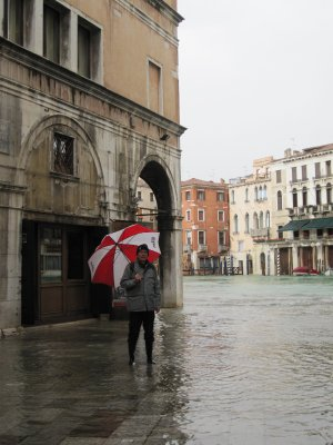 The streets are indistinguishable from the canal at high tide!