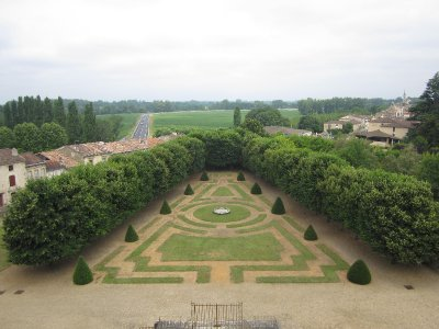 The garden at the back of the chateau is another missed opportunity, as it is neglected and inaccessible.