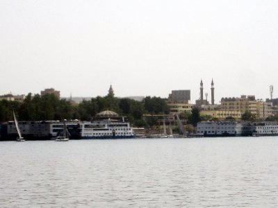 Returning to the city of Aswan on the east bank.