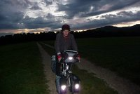 The cyclist in the almost dark