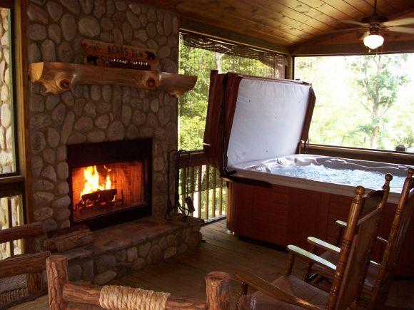 Vacation Rental, Bears Den Luxury Cabin Retreat