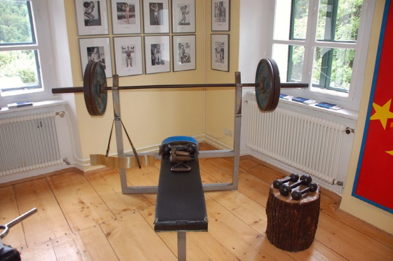 AUS515 Schwarzenegger Geburtshaus Museum, Thal
