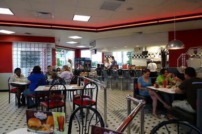 Steak_N_Shake_Inside.jpg