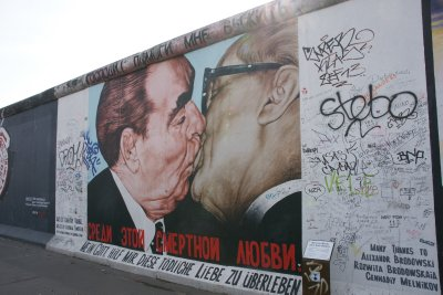 Kissing on the wall