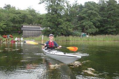 getting in kayak