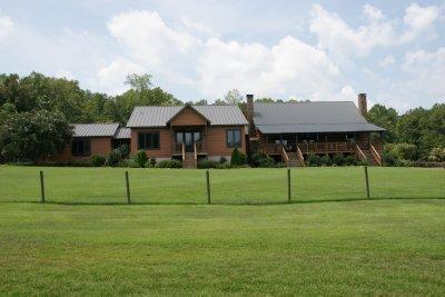 Aunt Linda's house