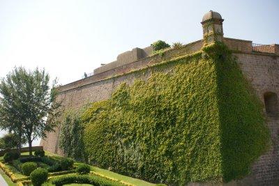 wall of Montjunc