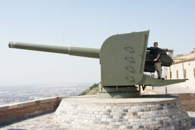 Curt and the big gun