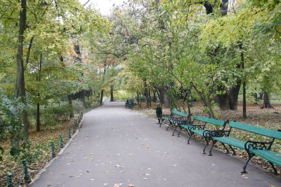 park walkway in Bucharest