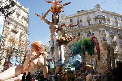 naked ladies falla