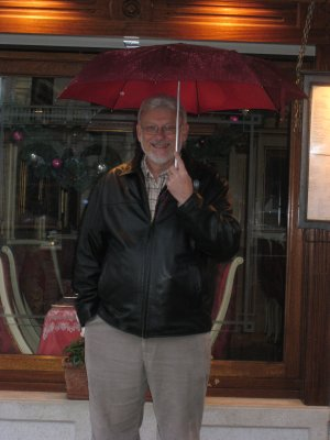Dad with umbrella in Venice