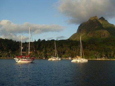 boats in Bora Bora