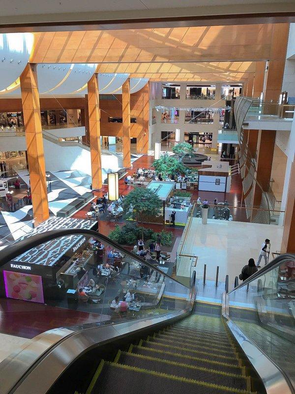 large_360_mall.jpg