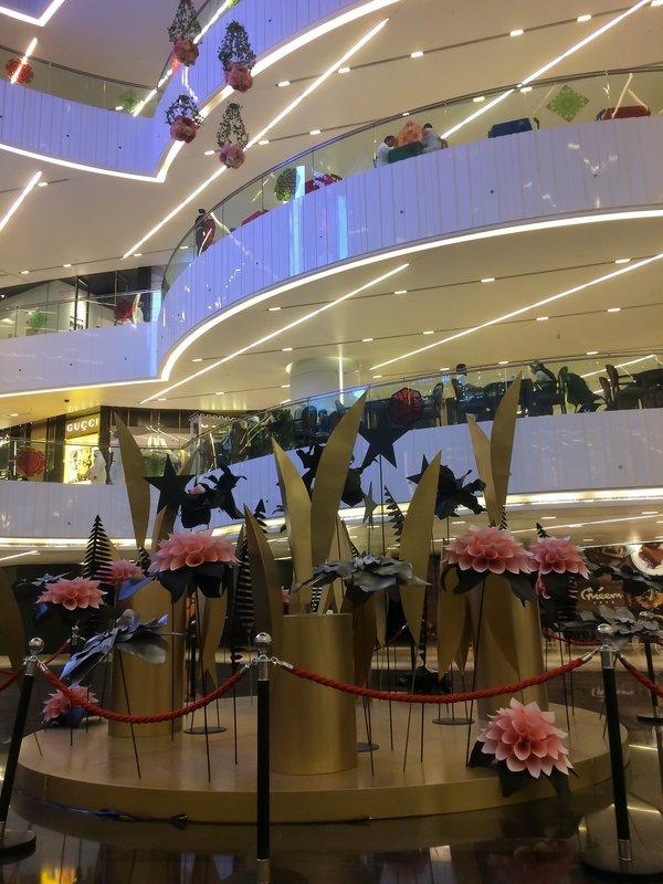 large_Al_Hamra_Mall.jpg