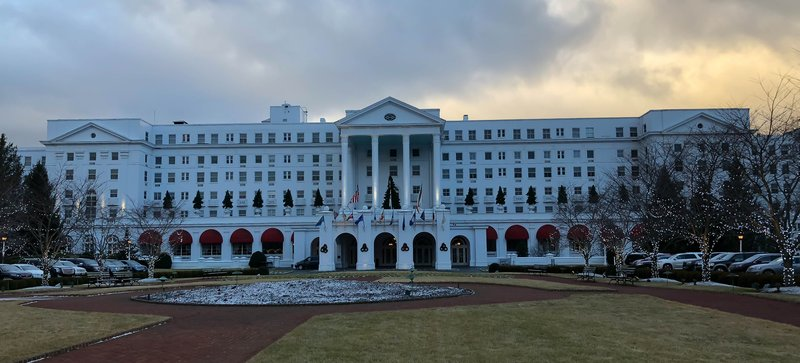 large_Early_morn.._Greenbrier.jpg