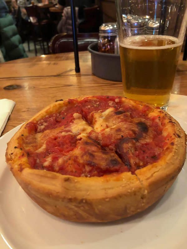 large_Giordanos_Pizza.jpg