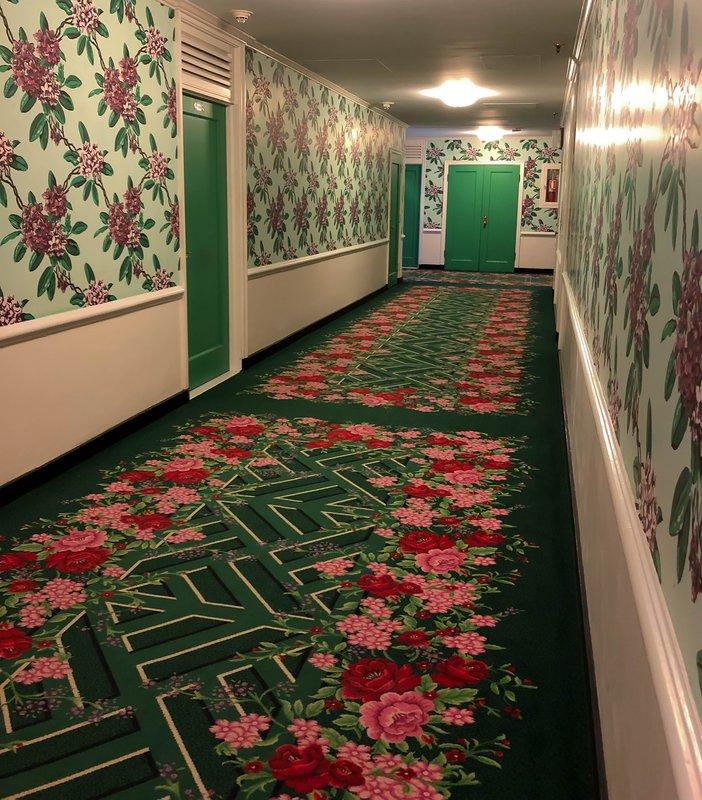 large_Greenbrier_hallway.jpg