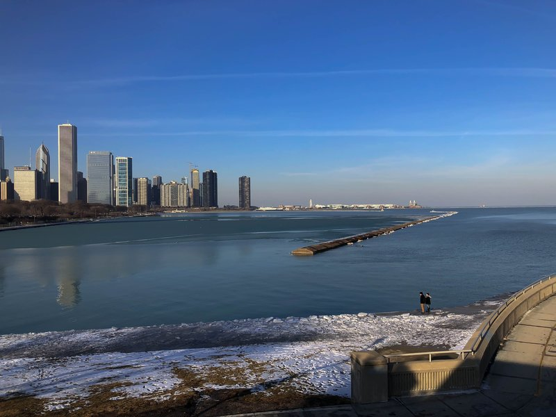 large_Skyline_of..ke_michigan.jpg