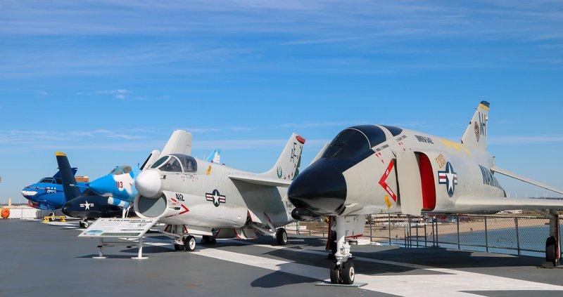 large_aircraft_o..ay__1_of_1_.jpg