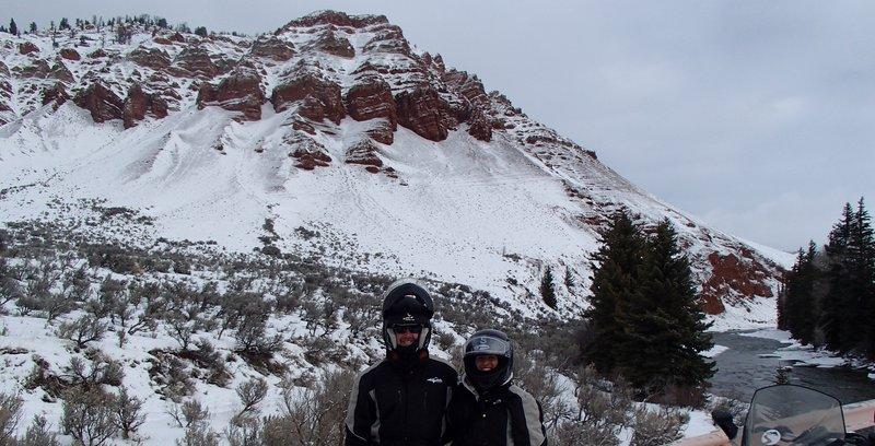 large_snowmobili.._the_cliffs.jpg