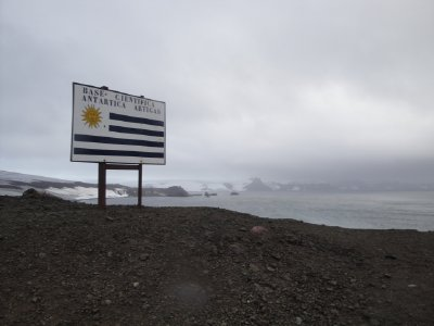 sign for chilean base