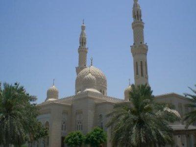 A_Mosque_in_Dubai.jpg
