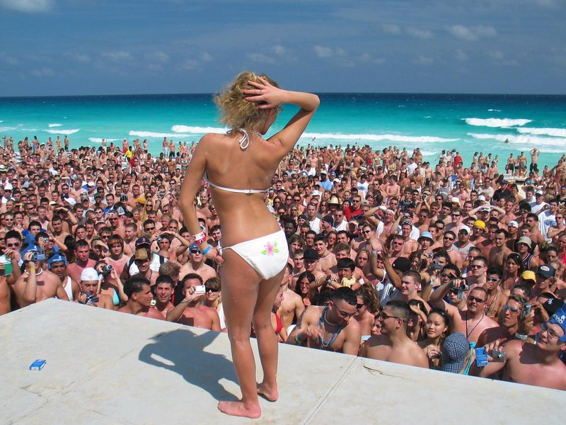 Spring Break Cancun -  Beach Party