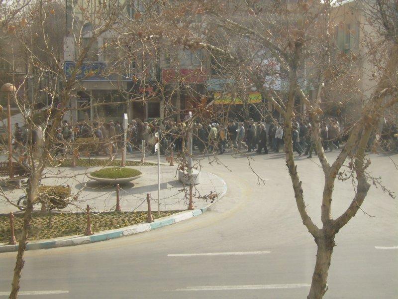 184 Iran Isfahan - more marching