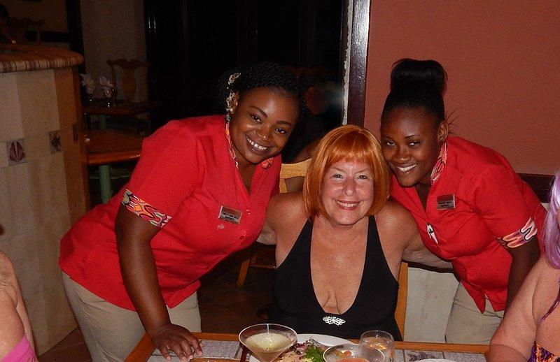 5 star food & service @ Martino's