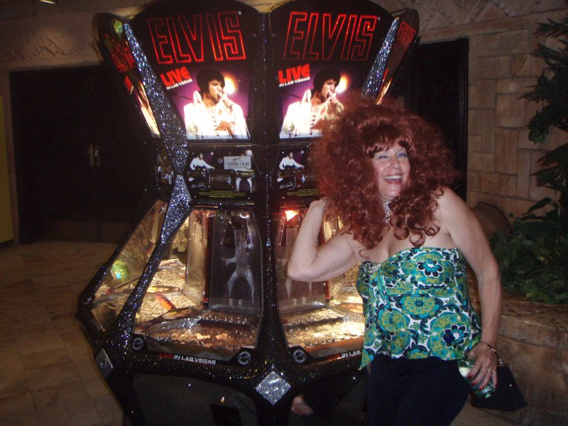 Elvis Lives--in a slot machine in SunCity (lol)