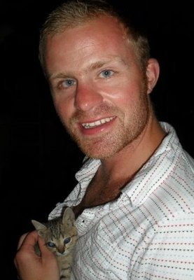 With one of the many cats found on the amazing Gili Trawangan