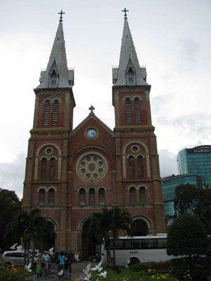 Notre_Dame_Saigon.jpg