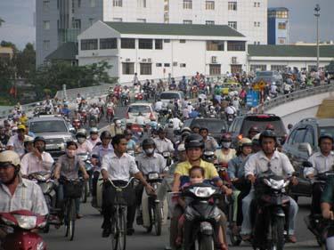 Saigon_traffic.jpg
