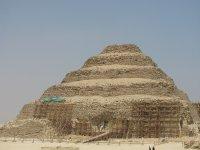 Sakkara_pyramid.jpg