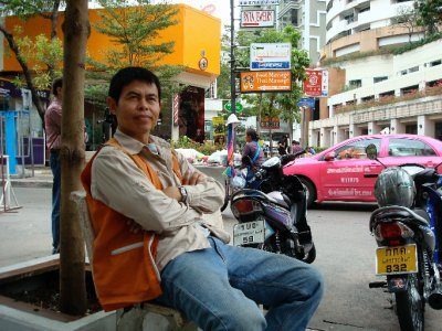 Motorbike_taxi_driver.jpg