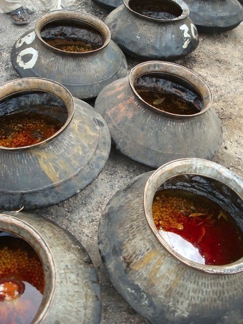 Communal cooking pots