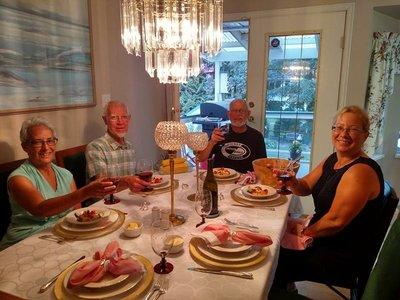 Dinner_at_Henrys.jpg