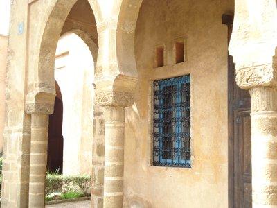 Archway_in_the_Garden.jpg
