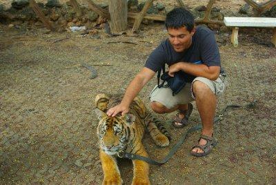 Baby tiger & Honza