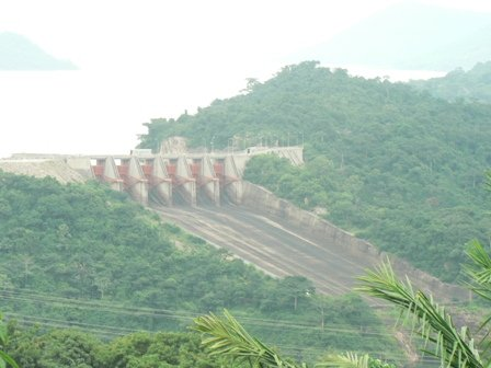 Overflow for the Akosombo Dam