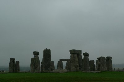 Eerie_stonehenge.jpg