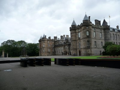 Holyrood_Palace.jpg