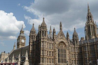 Houses_of_..Big_Ben.jpg