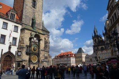 Prague_squ..l_clock.jpg