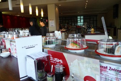 Sushi_bar.jpg