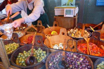 YUMMY_oliv.._market.jpg