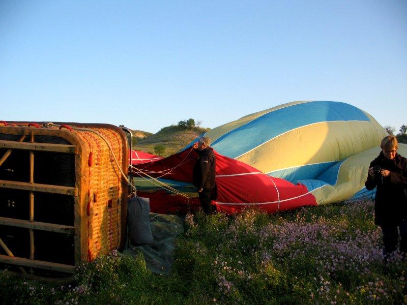 Balloon flight: building anticipation as the sun rises